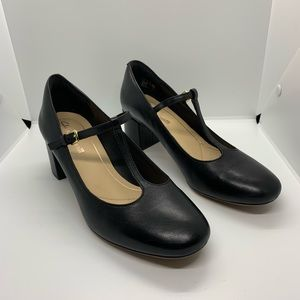 Clarks Cushion Plus Black Mary Janes